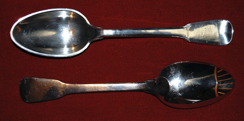 French pewter spoon with paddle stem finial and rounded bowl attachment