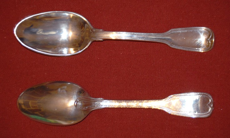 French pewter spoon with paddle stem finial and thread pattern