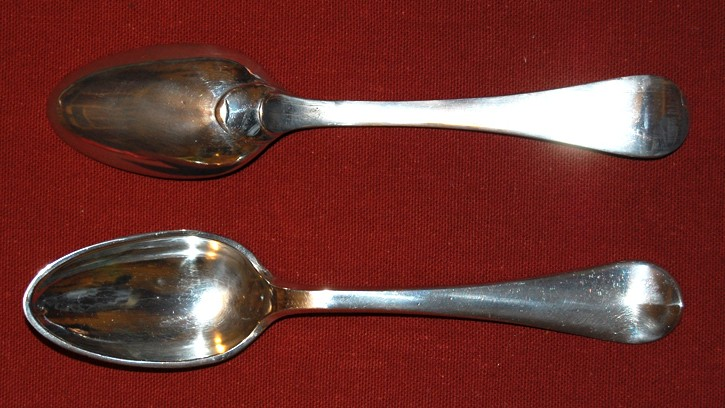 French pewter spoon with rounded stem finial and rounded bowl attachment